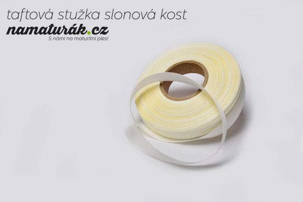 stuzky_taftova_slonova_kost